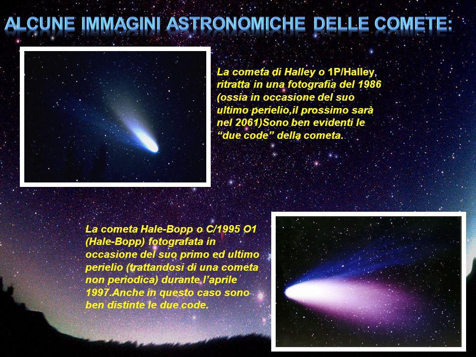 La cometa di Halley o 1P/Halley, ritratta in una fotografia del 1986 (ossia in occasione del suo ultimo perielio,il prossimo sarà nel 2061)Sono ben ev