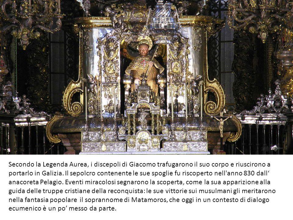 Secondo la Legenda Aurea, i discepoli di Giacomo trafugarono il suo corpo e riuscirono a portarlo in Galizia. Il sepolcro contenente le sue spoglie fu