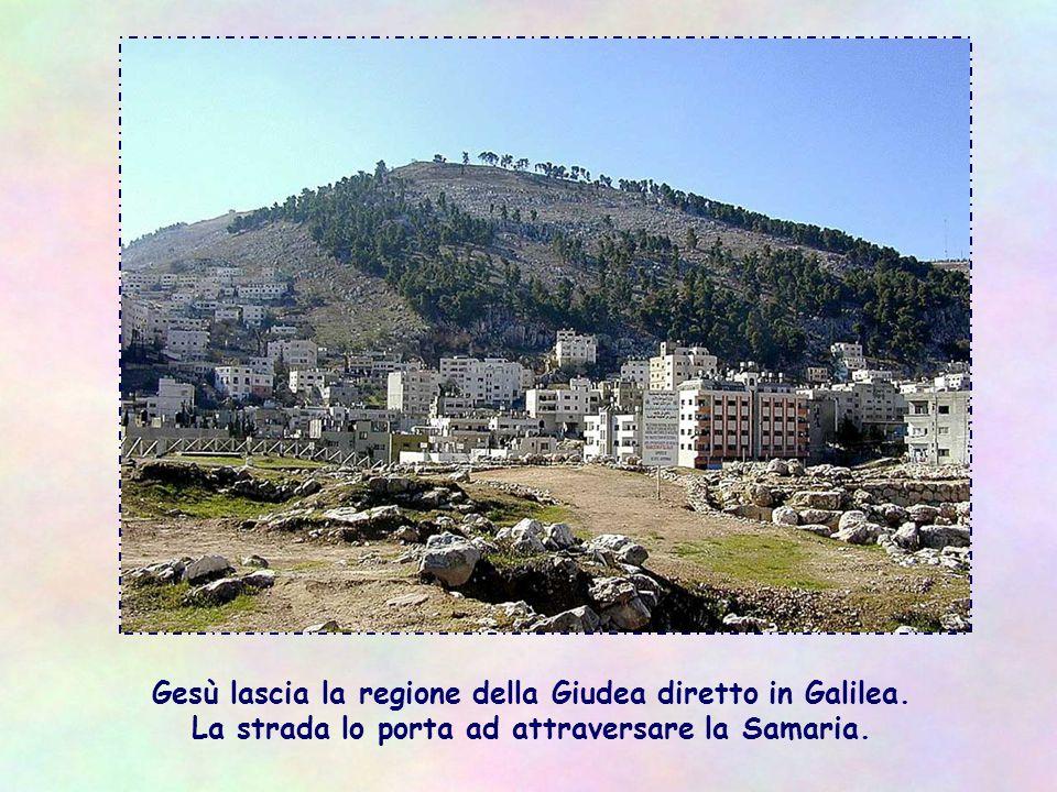 Gesù lascia la regione della Giudea diretto in Galilea.