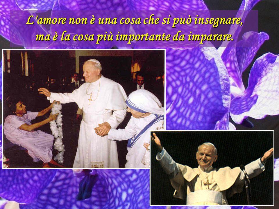 Io, Giovanni Paolo II, figlio della nazione Polacca..., io successore di Pietro dico a te, vecchia Europa, con un grido pieno di amore: ritrova te ste