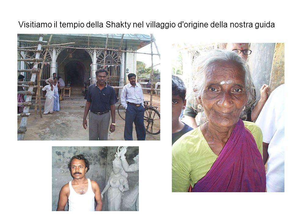 Visitiamo il tempio della Shakty nel villaggio d origine della nostra guida
