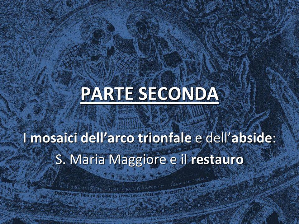 L'ARCO TRIONFALE L'arco trionfale è caratterizzato dalla vivacità dei mosaici e dal rapido susseguirsi delle scene, proprio dell'arte bizantina.