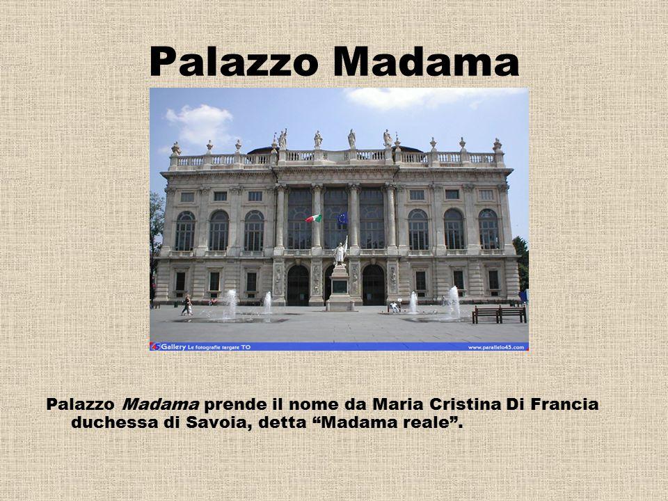 Palazzo madama Lo scalone di Filippo Juvarra A Torino realizzò la facciata di Palazzo Madama, che è l'avancorpo dell'antico castello al centro di Piaz