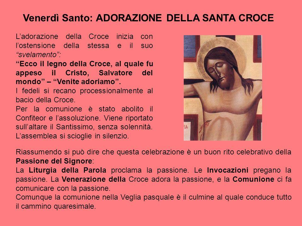 """Venerdì Santo: ADORAZIONE DELLA SANTA CROCE L'adorazione della Croce inizia con l'ostensione della stessa e il suo """"svelamento"""": """"Ecco il legno della"""