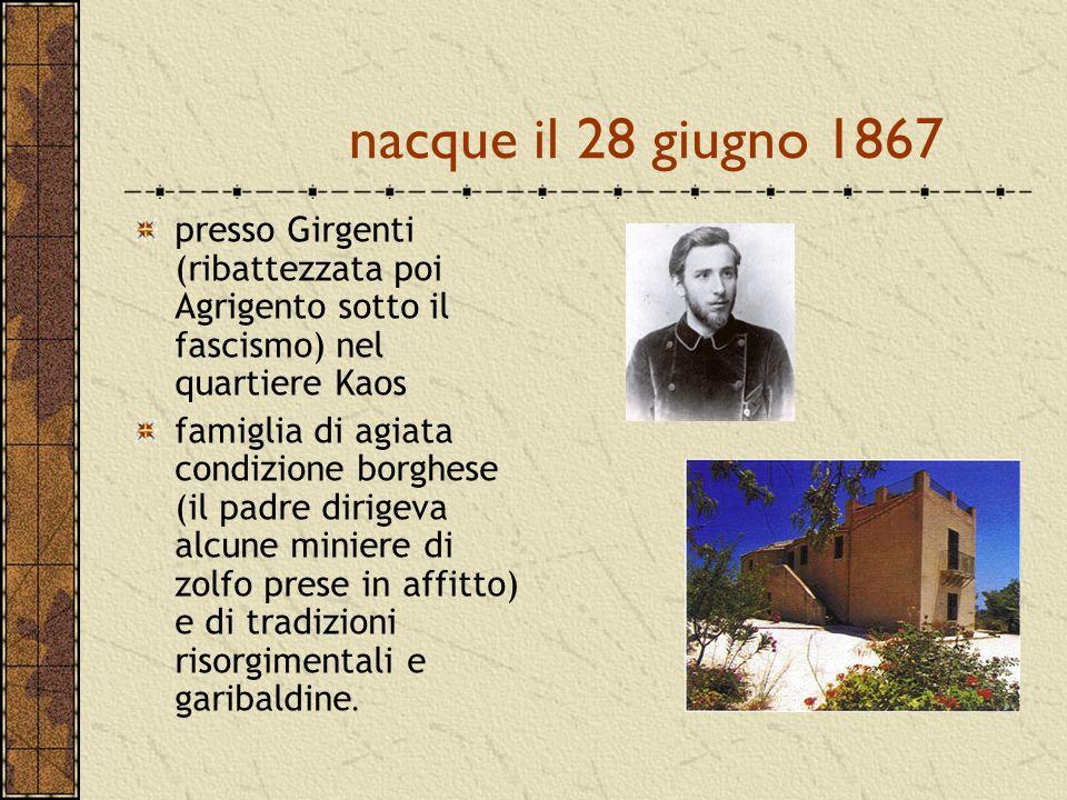nacque il 28 giugno 1867 presso Girgenti (ribattezzata poi Agrigento sotto il fascismo) nel quartiere Kaos famiglia di agiata condizione borghese (il