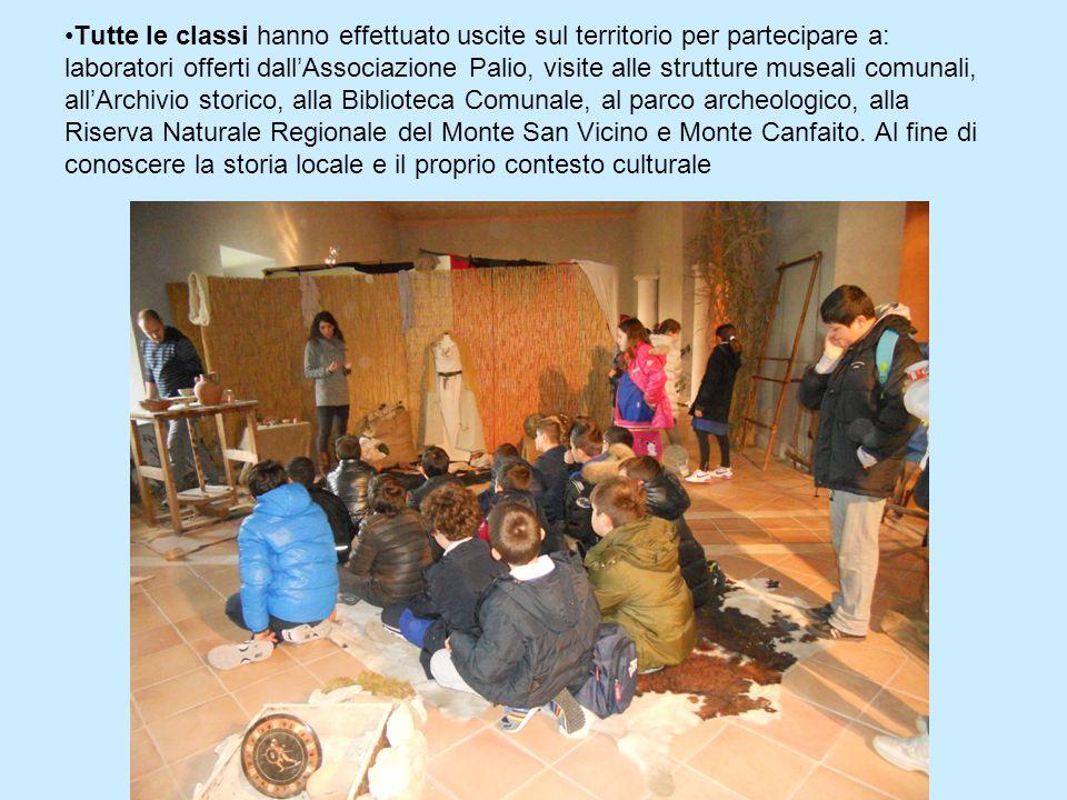 Tutte le classi hanno effettuato uscite sul territorio per partecipare a: laboratori offerti dall'Associazione Palio, visite alle strutture museali co