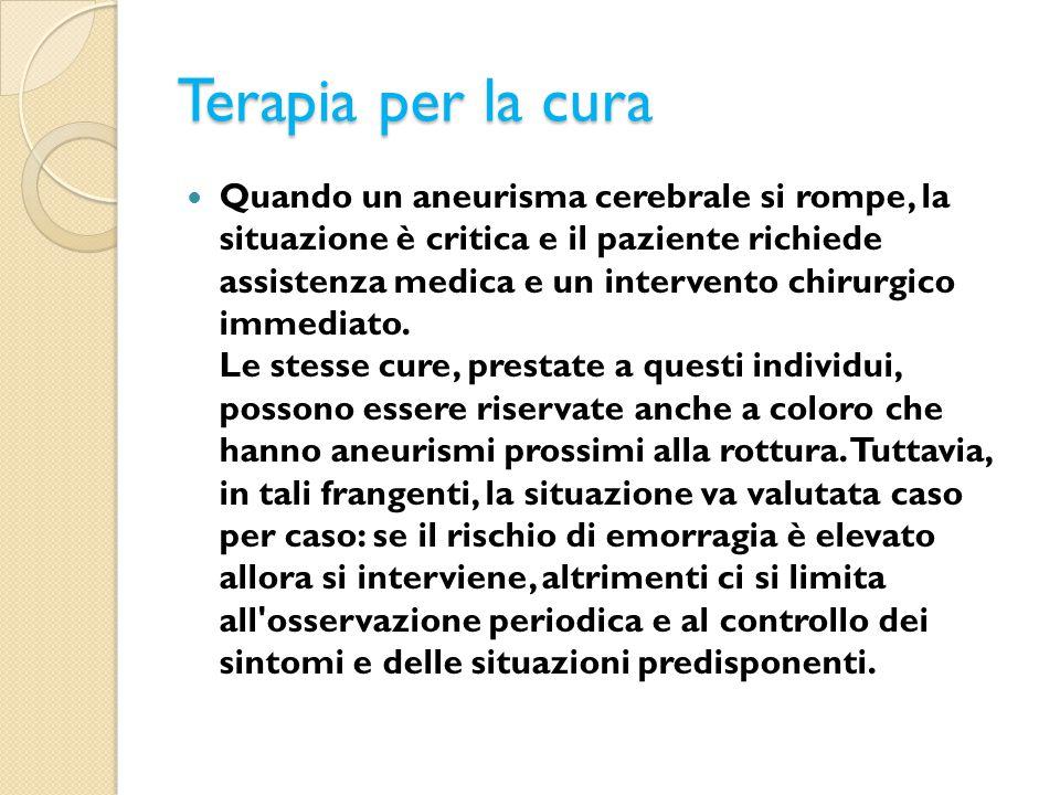 Terapia per la cura Quando un aneurisma cerebrale si rompe, la situazione è critica e il paziente richiede assistenza medica e un intervento chirurgic