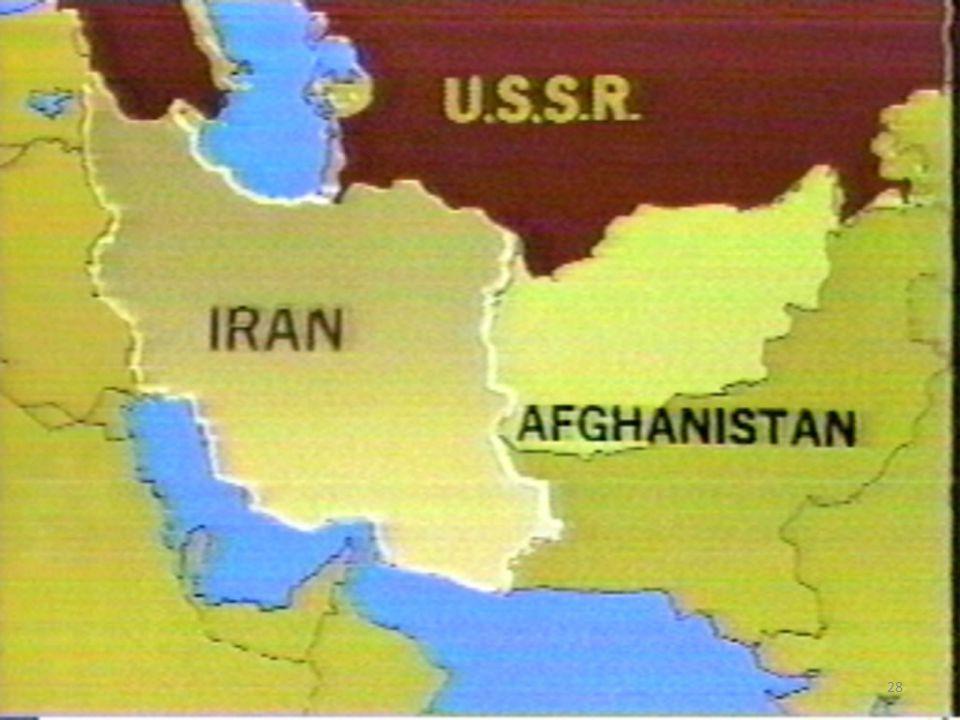 La nuova Guerra Fredda Episodio dell'Afghanistan è paradigmatico: – per contenere il fenomeno del fondamentalismo islamico, i sovietici non trovano miglior soluzione che un intervento militare diretto, che si rivelerà disastroso – Gli Stati Uniti interverranno, ma soltanto in un'ottica bipolare ( somma zero ), sfruttando un fenomeno di cui sottovalutano la pericolosità per il futuro 28