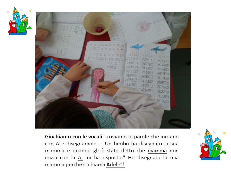 Laboratorio di lettur a I bambini prendono i libri dalla mini biblioteca di sezione e si divertono a leggere le immagini; raccontano poi la storia letta ai compagni utilizzando un lessico appropriato.