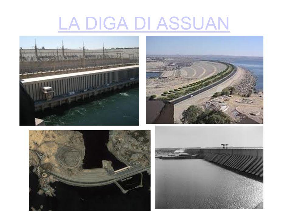 In Egitto lungo il fiume Nilo nel 1898 i britannici iniziarono a costruire una delle dighe più grandi del mondo nei pressi di Assuan, progettata dall' inglese sir William Wilcocks,terminandola nel 1902.