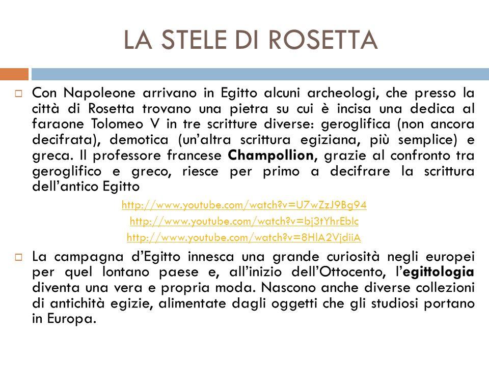 La stele di Rosetta: L'ingrandimento permette di osservare un esempio di scrittura geroglifica (in alto), di demotico (in centro) e di greco (in basso)