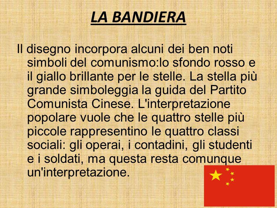 LA BANDIERA Il disegno incorpora alcuni dei ben noti simboli del comunismo:lo sfondo rosso e il giallo brillante per le stelle. La stella più grande s