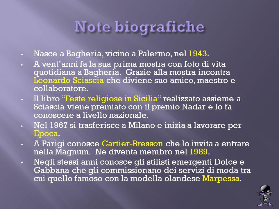 Nasce a Bagheria, vicino a Palermo, nel 1943.