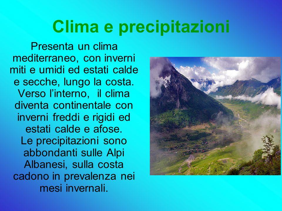 Clima e precipitazioni Presenta un clima mediterraneo, con inverni miti e umidi ed estati calde e secche, lungo la costa.