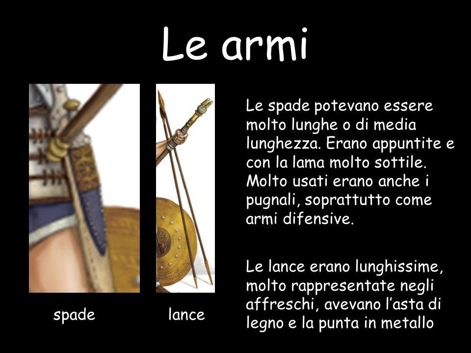 Le armi spadelance Le spade potevano essere molto lunghe o di media lunghezza. Erano appuntite e con la lama molto sottile. Molto usati erano anche i