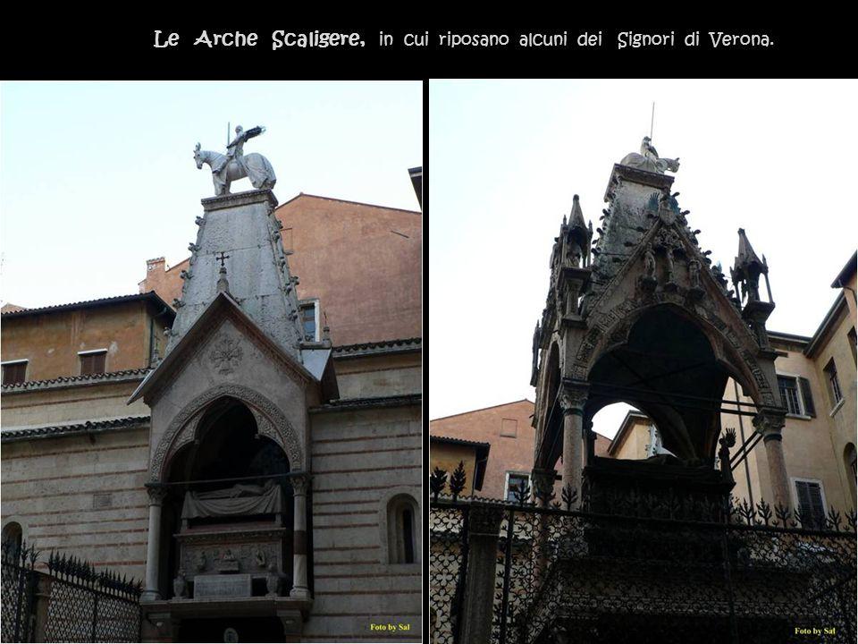 Iscrizioni sulla Piazza dei Signori