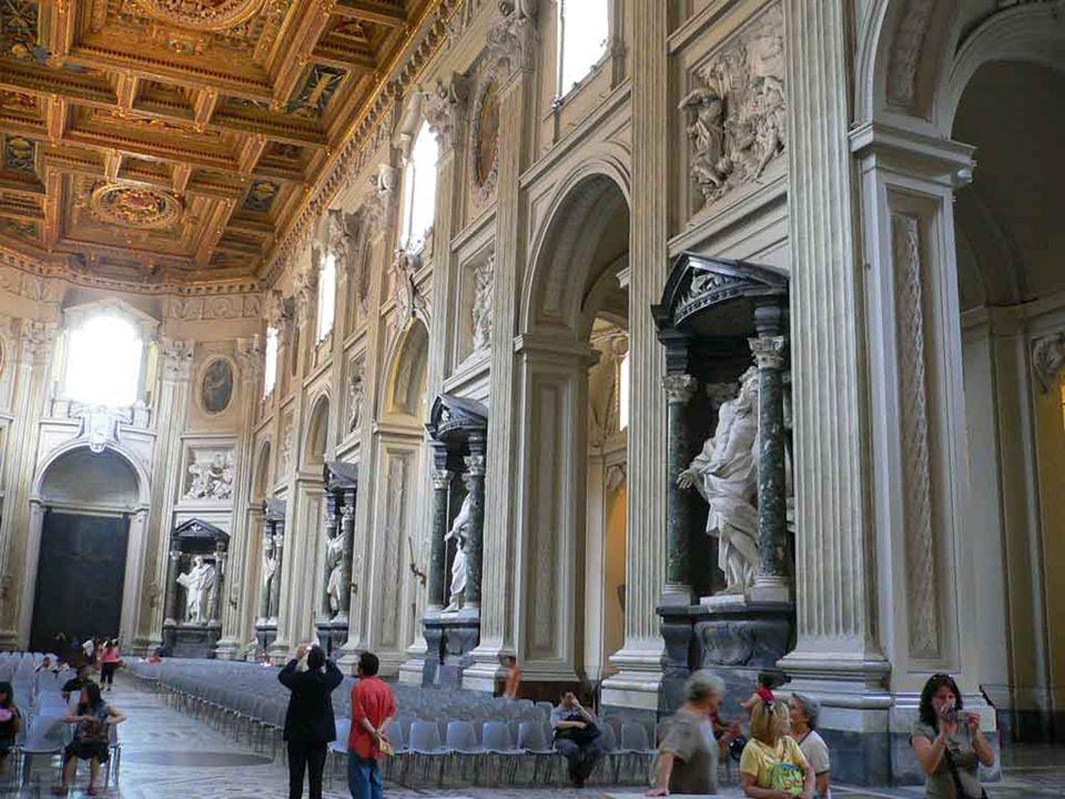 Benedetto XVI ha celebtato la Messa Crismale nella basilica di S.Pietro Omelia della Messa giovedì 5 aprile 2012