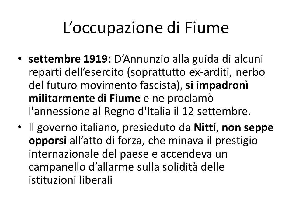 L'occupazione di Fiume settembre 1919: D'Annunzio alla guida di alcuni reparti dell'esercito (soprattutto ex-arditi, nerbo del futuro movimento fascis