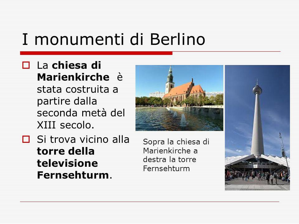 I monumenti di Berlino  La chiesa di Marienkirche è stata costruita a partire dalla seconda metà del XIII secolo.  Si trova vicino alla torre della
