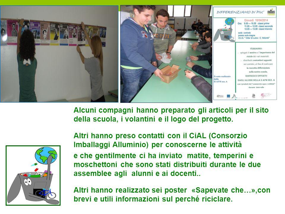 Alcuni compagni hanno preparato gli articoli per il sito della scuola, i volantini e il logo del progetto. Altri hanno preso contatti con il CiAL (Con