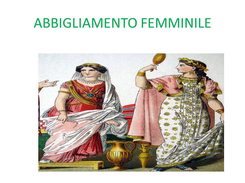 L'ABBIGLIAMENTO DEI BAMBINI Le bambine etrusche come le mamme portavano il berretto a punta e indossavano una sottoveste, una tunica e una mantella leggera di colore bianco.
