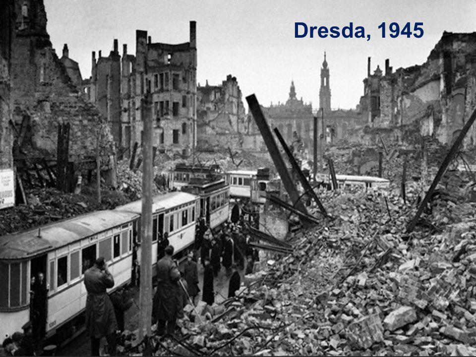 Le premesse dell'Unione Europea L' Europa esce devastata dalla seconda guerra mondiale (1939-1945), che ha visto gli stati europei in guerra tra loro.