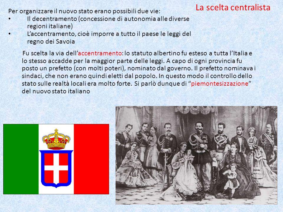 In Europa: l'impero russo L'impero russo era un immenso stato molto arretrato; c'erano poche industrie e la maggior parte della popolazione viveva nelle campagne.