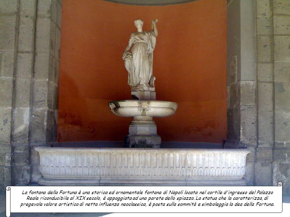 La fontana del Ratto delle Sabine è un'altra delle otto fontane neoclassiche che abbelliscono la Villa Comunale. Venne realizzata nell'ambito del prog