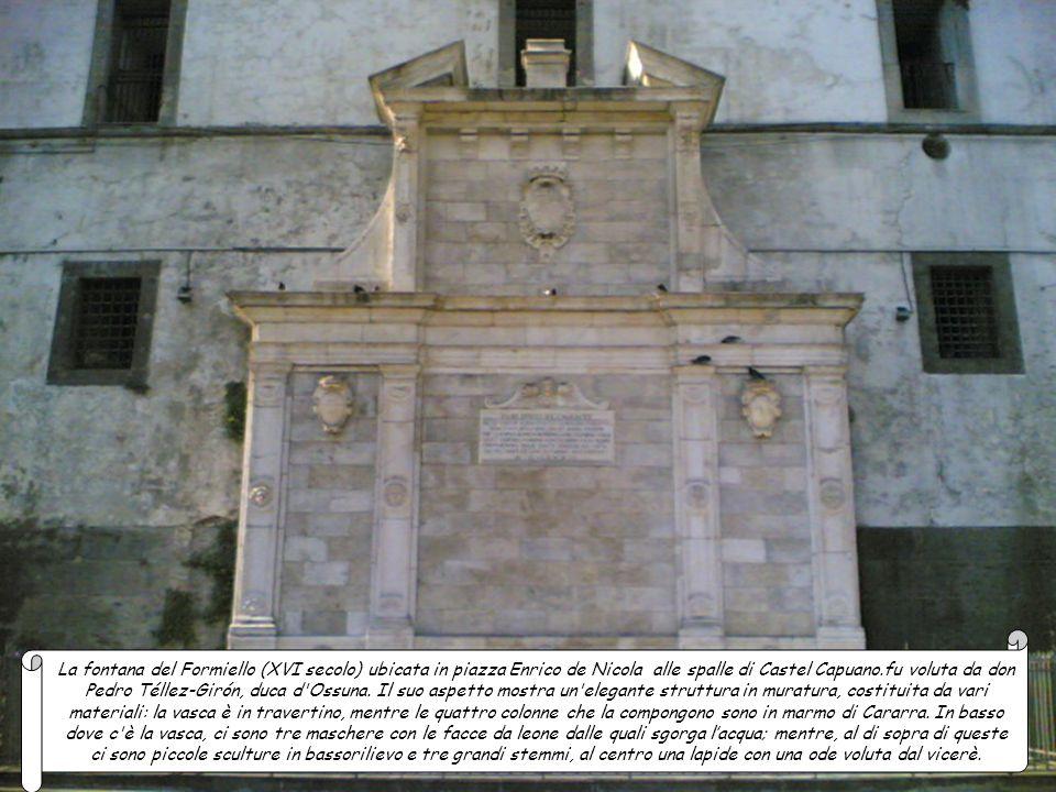La fontana della Tazza di Porfido (XIX secolo), o Fontana delle paparelle si trova nella Villa Comunale e molto probabilmente, è la più antica. Il pia