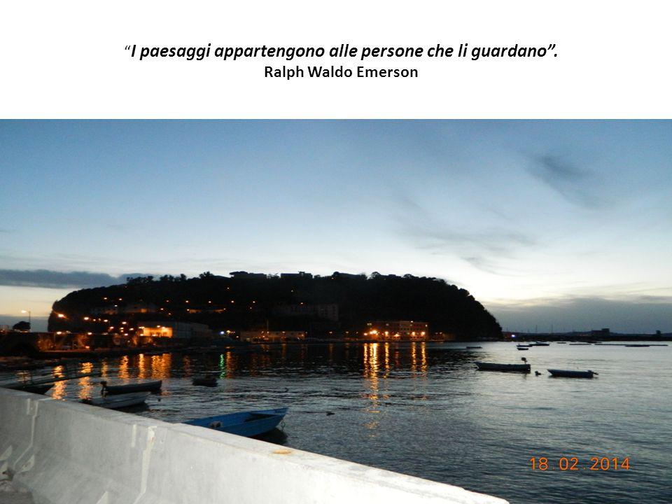 Un isola compiace sempre la mia immaginazione, anche la più piccola, in quanto piccolo continente e porzione integrale del globo. Henry David Thoreau