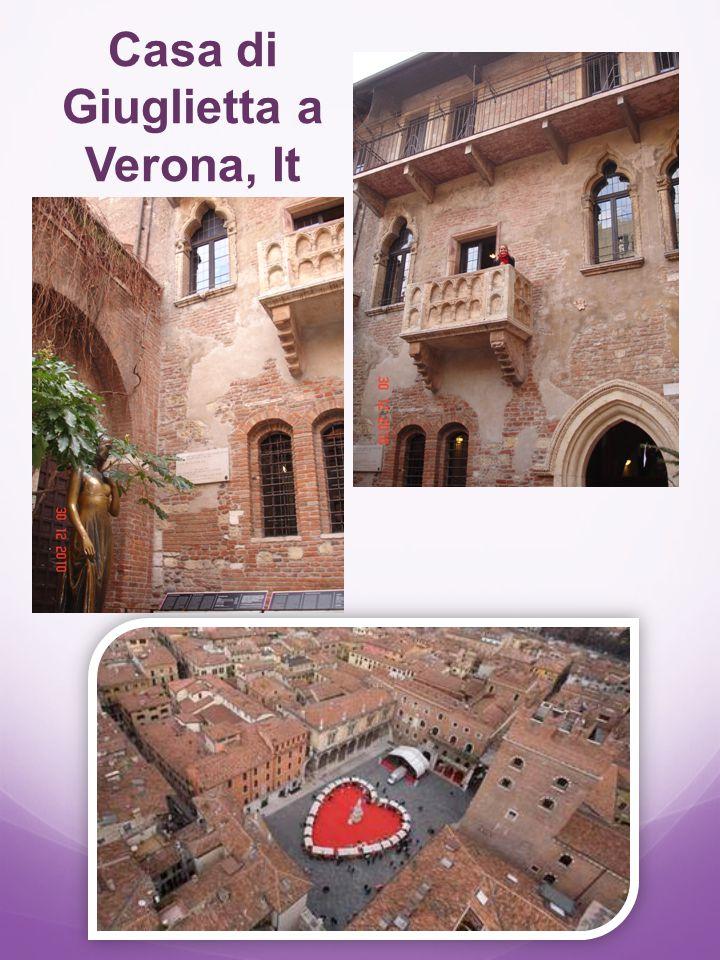 Storia lucchetti in Italia http://www.ilgazzettinodiroma.it/ 127-lucchetti-dellamore-una- storia-che-viene-da- lontano.html Lucchetti collocati su un lampione del ponte (2007)