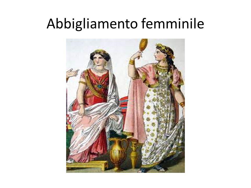 Le donne indossavano delle tuniche di lino, munita di pieghe e di orli decorati che scendevano fino ai piedi.