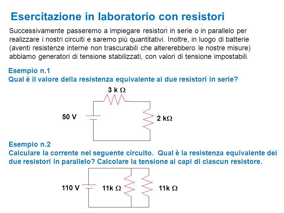 Successivamente passeremo a impiegare resistori in serie o in parallelo per realizzare i nostri circuiti e saremo più quantitativi. Inoltre, in luogo