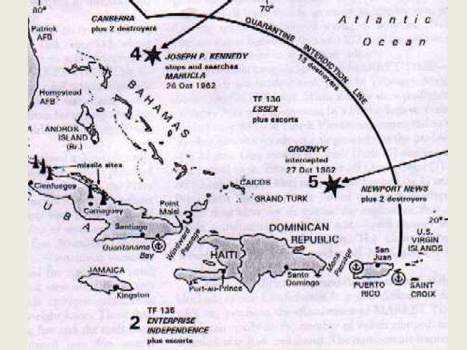 """La crisi di Cuba 43 Kennedy scarta le ipotesi più rischiose: né attacco né invasione: """"quarantena"""" (blocco) navale attorno a Cuba L'ONU serve come pal"""