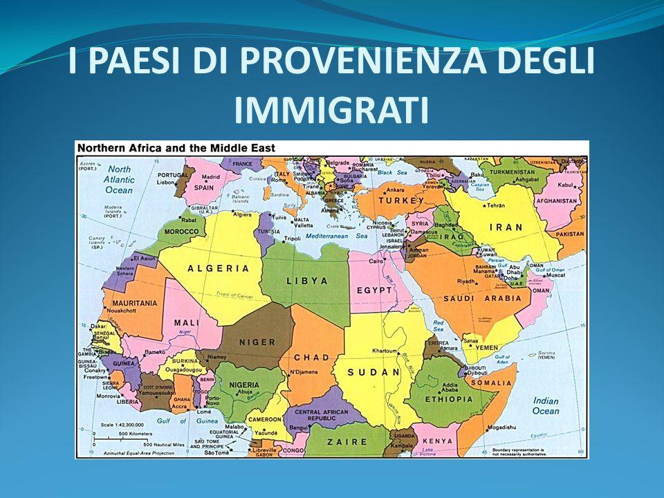 ACQUISIZIONE CITTADINANZA Jus soli: in alcuni stati, come la Gran Bretagna, la cittadinanza si acquisisce per nascita sul territorio dello stato Jus sanguinis: in altri stati, come in Italia, la cittadinanza si acquisisce per diritto di sangue, cioè se il padre è di cittadinanza italiana la stessa viene acquisita anche dai figli, a prescindere dal luogo di nascita
