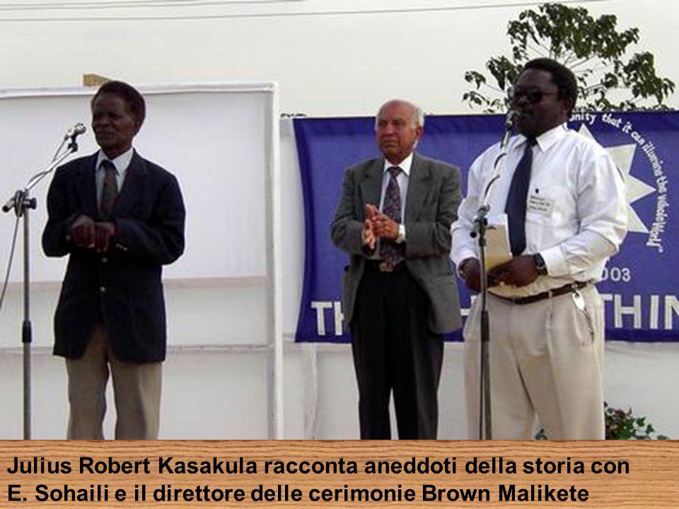 Julius Robert Kasakula racconta aneddoti della storia con E.