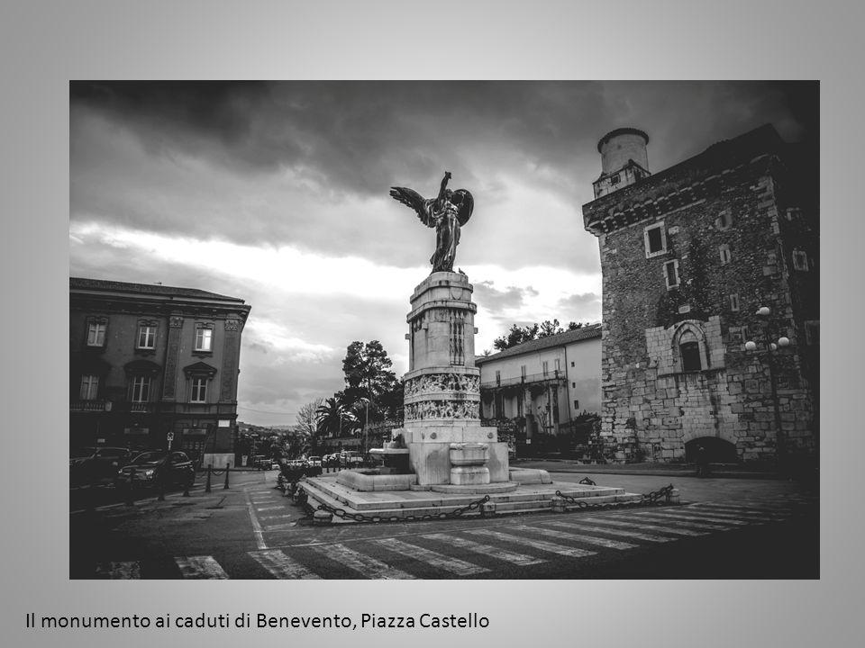 Il monumento ai caduti di Benevento, Piazza Castello