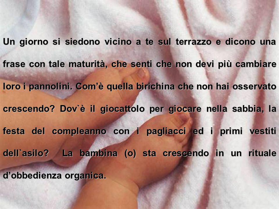 Per chi è Padre e madre e per quelli che lo saranno... Testo di Alfonso Romano di Sant'Anna C'è un periodo in cui i genitori diventano orfani dei loro