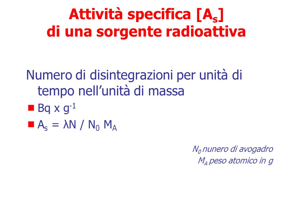 Unità di misura delle radiazioni Esposizione nell'aria Unità tradizionali Roentgen (R)  Quantità di raggi x e  <3 MeV in grado di produrre nell'aria ioni che trasportano 1 unità elettrostatica di carica elettrica positiva o negativa in 1 cm 3 di aria secca a 0° 760 mmHg (= 0,001293 g)  Misura della quantità di ionizzazione nell'aria (numero di elettroni rimossi dagli atomi) prodotta da raggi X e  Unità SI (Système International) Coulombs/Kg (C/Kg)  Misura della carica (numero di elettroni) che si muovono lungo un conduttore per una corrente di 1 Ampere in 1 sec per Kg di aria  1 R = 2,58 x 10 4 C/kg