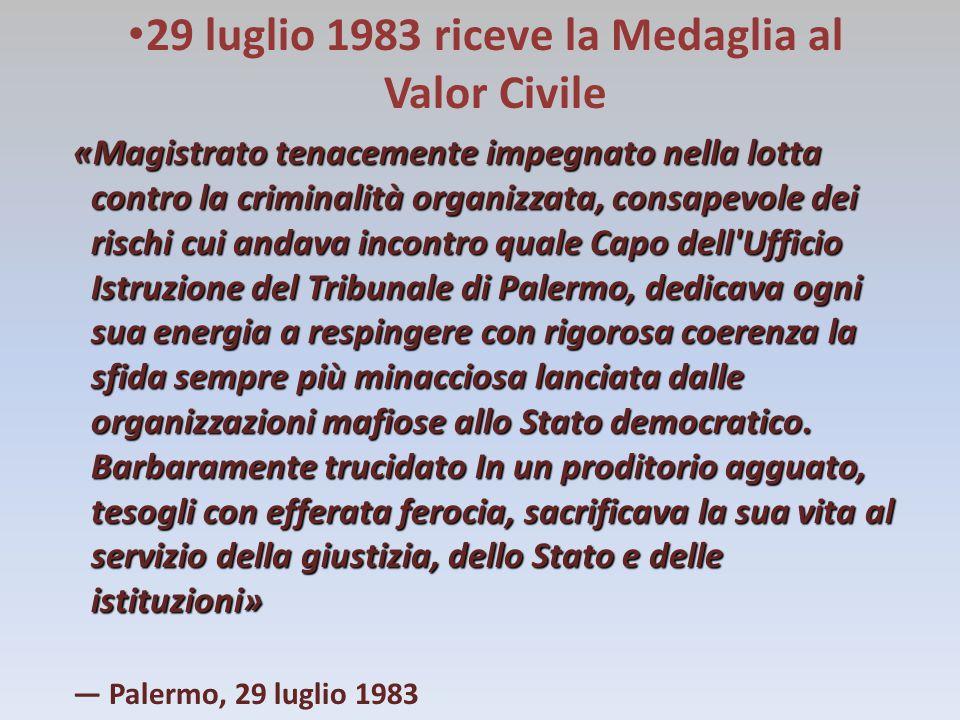 SITOGRAFIA ROCCO CHINNICI http://it.wikipedia.org/wiki/Rocco_Chinnici http://www.fondazionechinnici.it http://www.ilfattoquotidiano.it NINNI CASSARA' http://it.wikipedia.org/wiki/Antonino_Cassar%C3%A0 CARLO ALBERTO DALLA CHIESA http://biografieonline.it/biografia.htm?BioID=1525&biografia=Carlo+Alberto+D alla+Chiesa http://it.wikipedia.org/wiki/Carlo_Alberto_dalla_Chiesa BEPPE MONTANA http://it.wikipedia.org/wiki/Beppe_Montana http://www.ecorav.it/arci/cronaca/scheda11/scheda11.htm