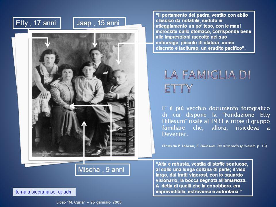 E' il più vecchio documento fotografico di cui dispone la Fondazione Etty Hillesum risale al 1931 e ritrae il gruppo familiare che, allora, risiedeva a Deventer.