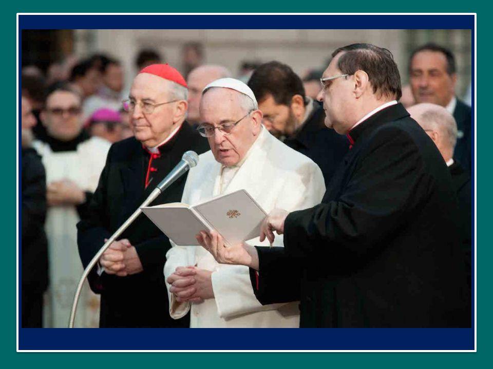 Papa Francesco Omaggio all'Immacolata in Piazza di Spagna a Roma nella Solennità dell'Immacolata 8 dicembre 2014 Papa Francesco Omaggio all'Immacolata