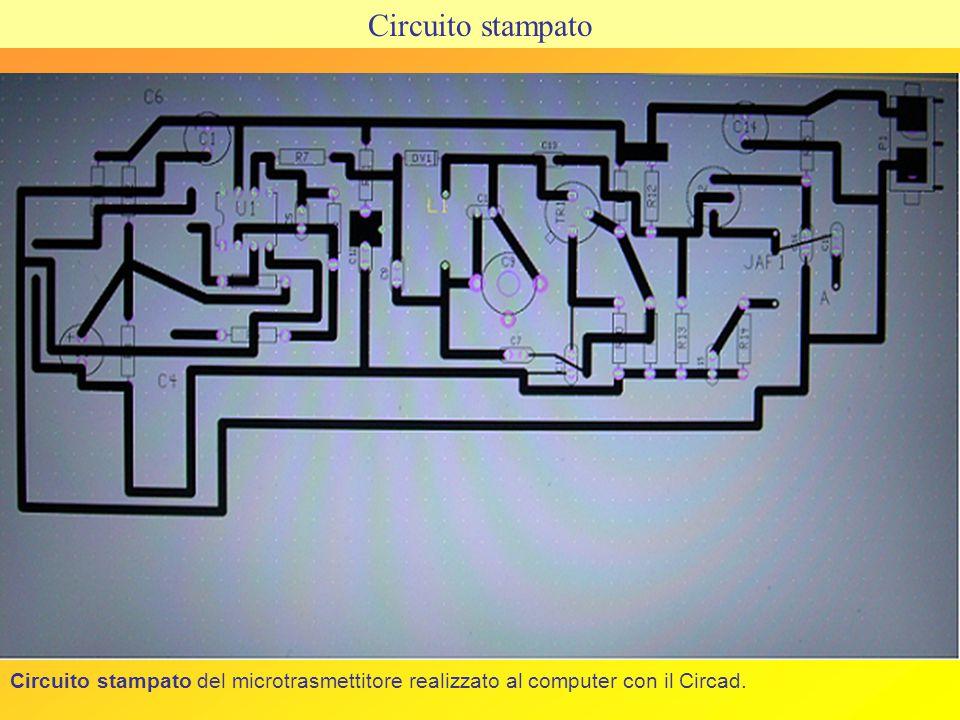 Gli oscillatori sono dei dispositivi che convertono una tensione continua di alimentazione in una tensione di uscita variabile nel tempo.