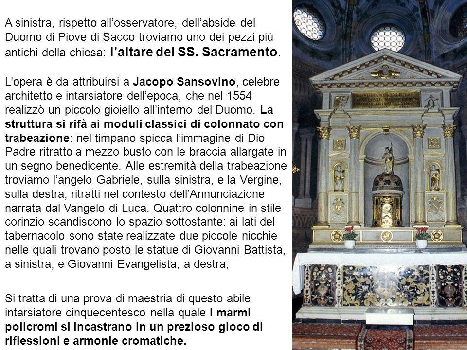 L'opera è da attribuirsi a Jacopo Sansovino, celebre architetto e intarsiatore dell'epoca, che nel 1554 realizzò un piccolo gioiello all'interno del D