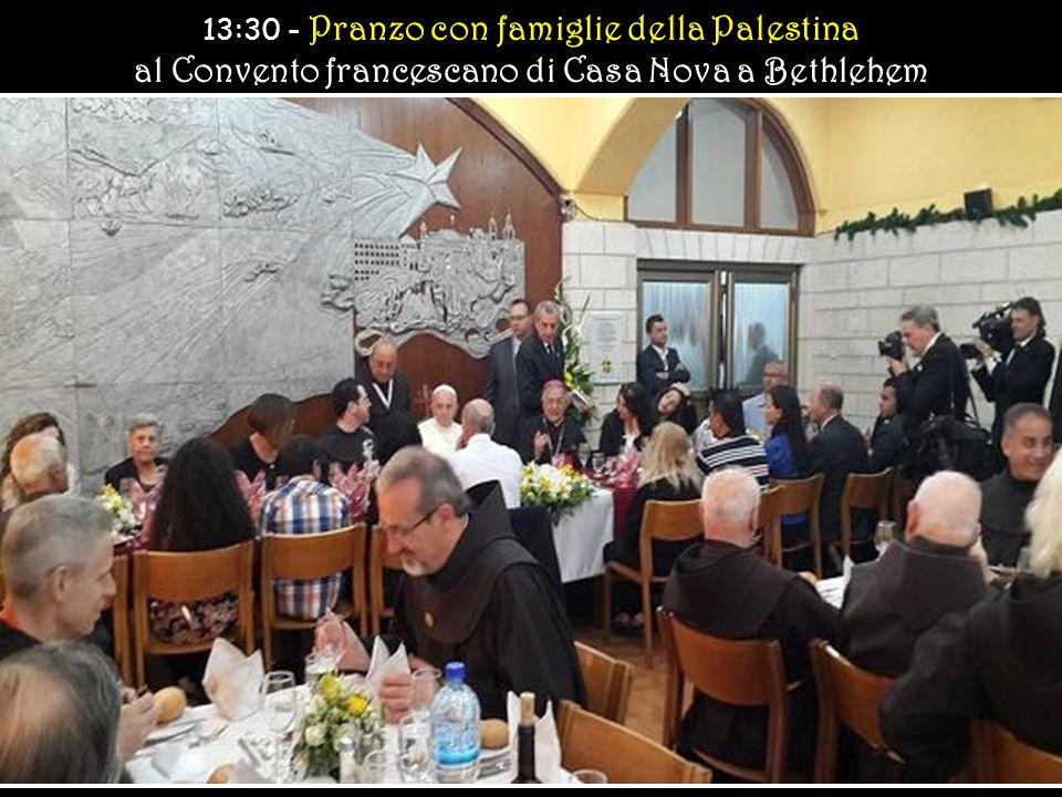 Conclusione della Santa Messa e Preghiera del Regina Coeli Conclusione della Santa Messa e Preghiera del Regina Coeli