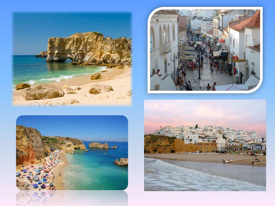 Albufeira, una delle località balneari più frequentate dell'Algarve per l'animazione e l'anticonformismo, deve la sua fama alle bellissime spiagge e a