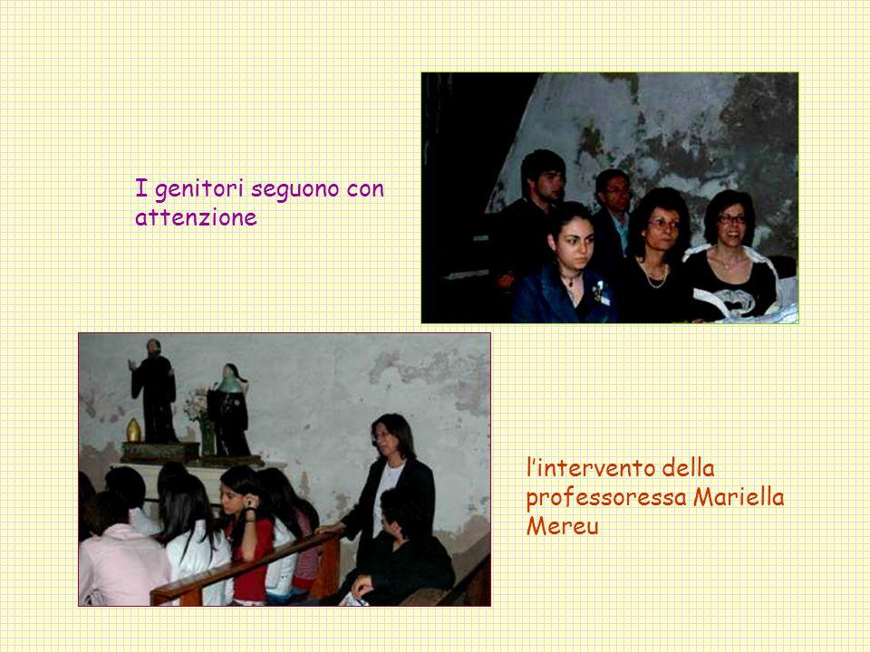 I genitori seguono con attenzione l'intervento della professoressa Mariella Mereu