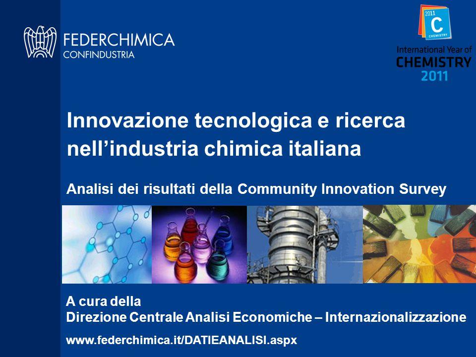 Sintesi dei principali risultati (1) L'innovazione è importante perché consente più facilmente alle imprese chimiche di esportare e di difendere l'occupazione in Italia La chimica italiana ha tante imprese innovative (1200) e tante imprese impegnate nella ricerca (800), la loro numerosità in ambito europeo è seconda solo alla Germania Nella chimica italiana la diffusione dell'attività di ricerca (47% delle imprese) non solo è doppia rispetto alla media dell'industria (21%) ma è superiore anche agli altri settori medium-high tech (34%), in particolare perché fanno innovazione tante PMI chimiche.