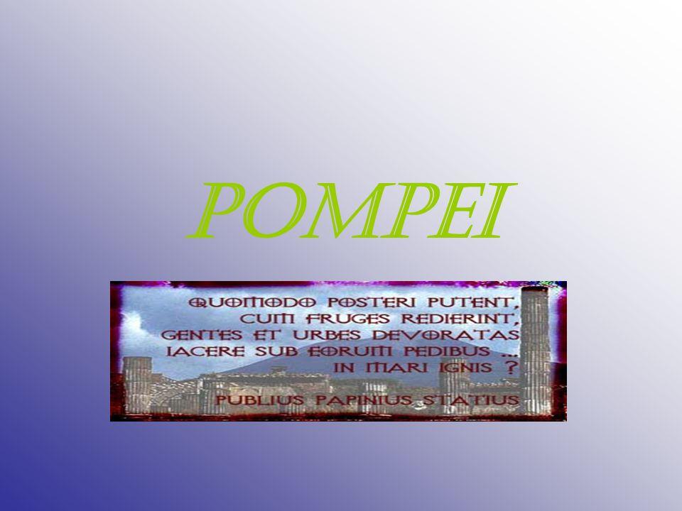 DOVE Pompei sorge su un altopiano di formazione vulcanica, sul versante meridionale del Vesuvio, a circa 30 metri sul livello del mare ed a breve distanza dalla foce del fiume Sarno, in una suggestiva posizione, decantata in epoca romana anche da Seneca.