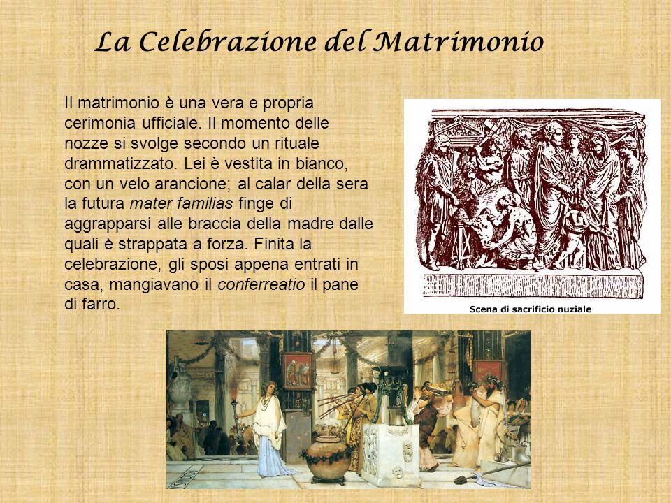 La Celebrazione del Matrimonio Il matrimonio è una vera e propria cerimonia ufficiale. Il momento delle nozze si svolge secondo un rituale drammatizza